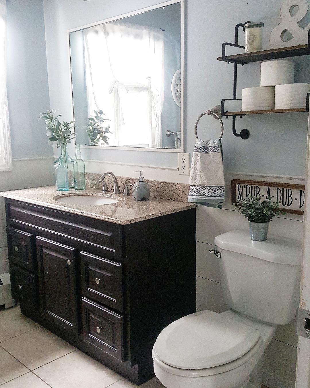 bathroom.3.jpg